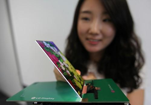 LG Display says its 5.2-inch Full HD display for smartphones is the world's thinnest, with a depth of just 2.2mm. The display has a resolution of 1,080x1,920 pixels.